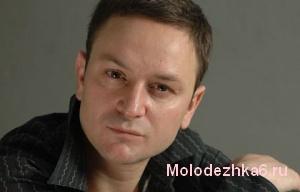 Виктор, бывший муж Виктории Каштановой (актер Алексей Гришин)